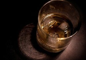 The dialectic of whisky drinking: Critical theory and the search for Scottish authenticity